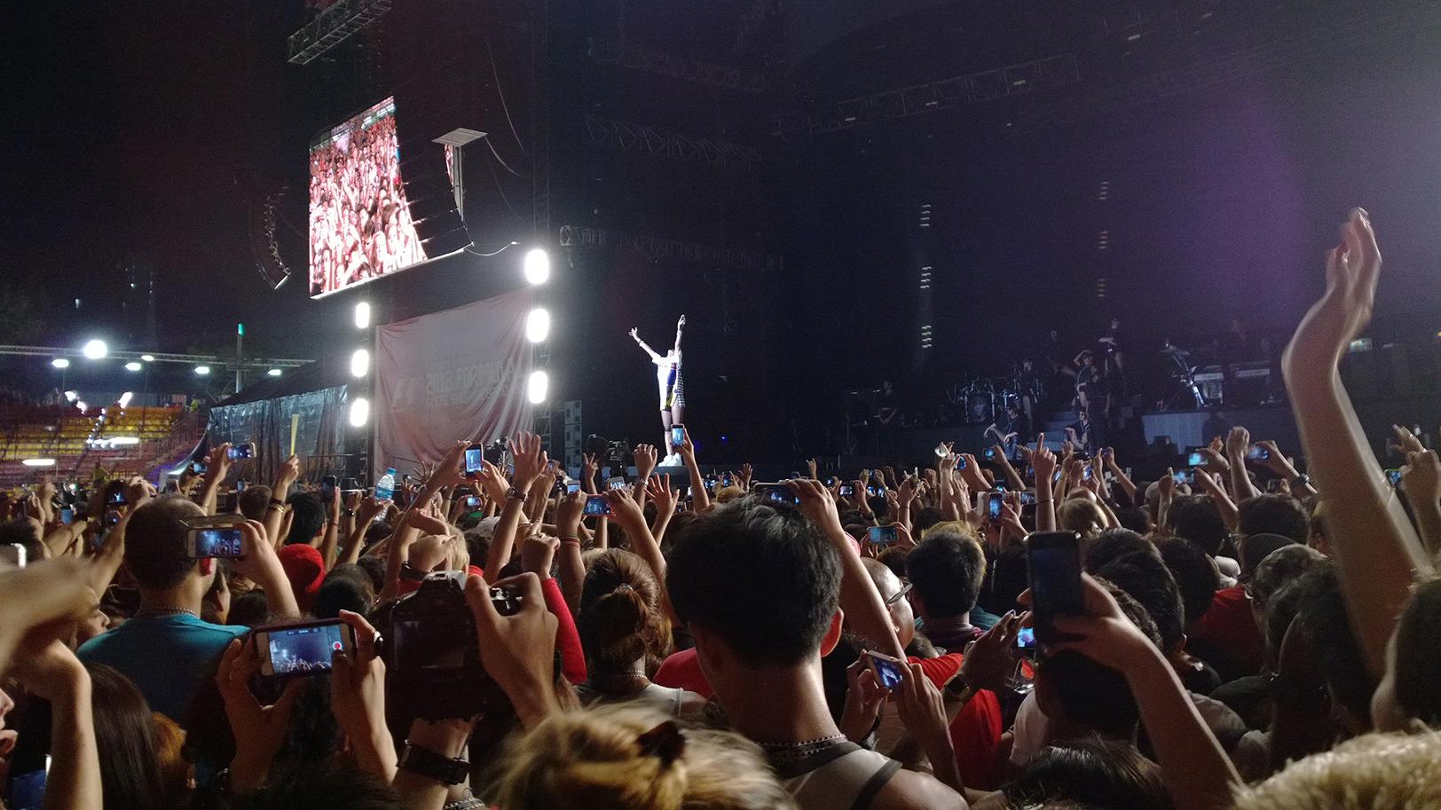 Nokia-Lumia-1020-Rihanna-concert